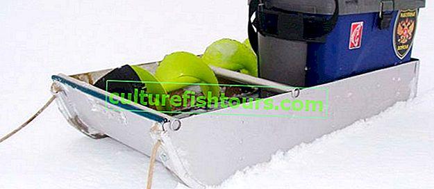 Domácí sáňky pro rybaření v zimě